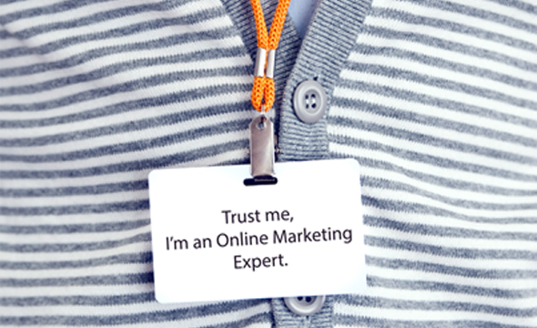 Online Marketing Expert name tag