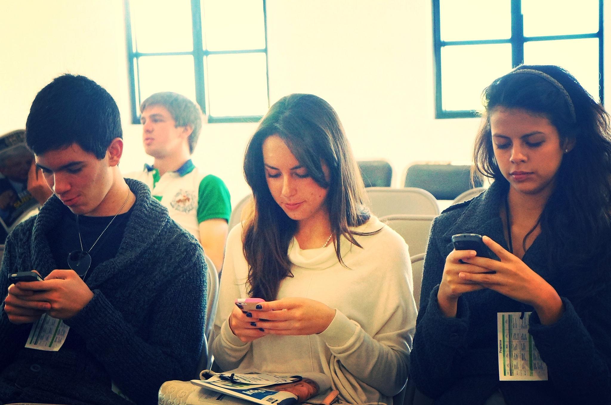 photo, millennials on smartphones