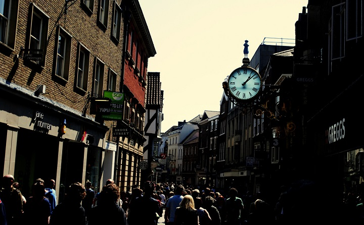 photo, crowded street in York